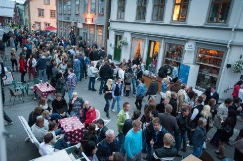 Nedgang: De ferske befolkningstallene viser at vi blir stadig færre innbyggere på Helgeland. Også i Vefsn har 2020 bydd på en nedgang i befolkningstallet, og kanskje blir det ikke så trangt under Byfesten de neste årene om trenden fortsetter.