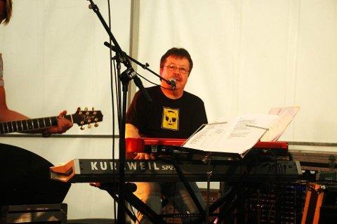 SPREDTE GLEDE: Kjell Arnesen holdt utallige gratiskonserter for eldre og funksjonshemmede.