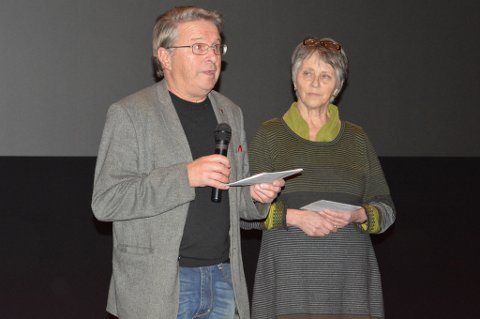 Egil Sundelin og Nina Østlyngen åpent premieren på vegne av Alta kvenforening.