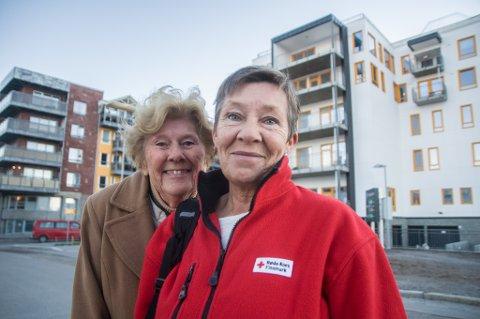 - I dag feirer vi 100 års frivillighet, sier Reidun Nordbyog Liv Mari Bakkebyi Hammerfest Røde Kors.