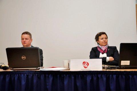 Fylkesordfører Runar Sjåstad, og fylkesvaraordfører Ragnhild Vassvik. Fylkestinget i Alta 8. juni 2016. Foto: Oddgeir Isaksen