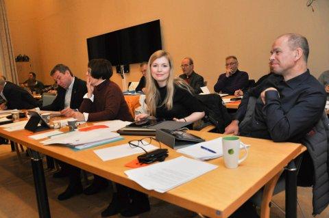 FOR BOM: Høyres Marianne Haukland ønsker å innføre parkeringsbom i Alta. Her under kommunestyret i Alta onsdag.