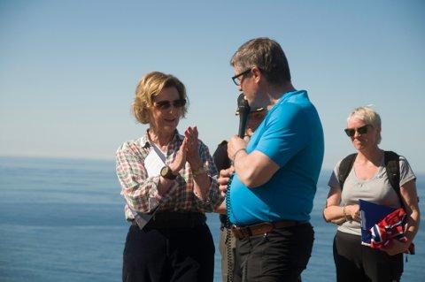 - I Hammerfest kommune satser vi stort på folkehelsa. Det er helse i hvert steg, sa ordfører Alf E Jakobsen til applaus fra dronningen.