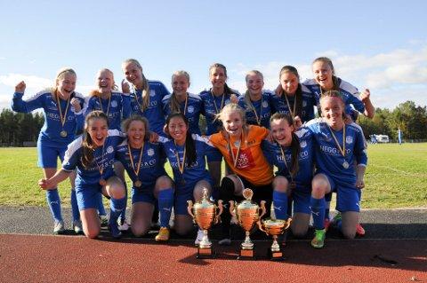 BULs jenter som fant finalen over Storsteinnes. Altaturneringen 2016. Foto: Oddgeir Isaksen