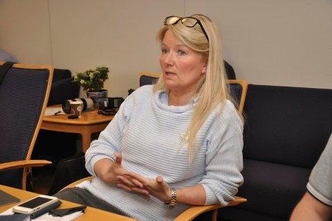 UENIG: Leder for hovedutvalget for oppvekst og kultur i Alta, Hilde Søraa (Ap), er uenig i kritikken kommunen får av Utdanningsforbundet.