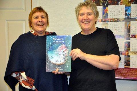 GLEDER SEG: Forfatterne av Steinura-bøkene, Bente Floer og Linda Hansen, gleder seg til lanseringen om 14 dager.