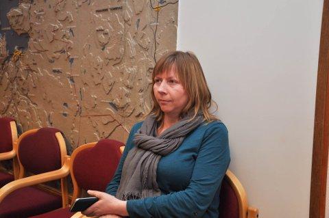 VELDIG FORNØYD: Styreleder i Kåfjord bygdelag, Ellen Helander, er strålende fornøyd med at de nå får drive egen SFO i Kåfjord. Bildet er tatt i en annen anledning.