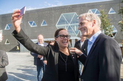 MÅ FÅ STORTINGET MED PÅ LAGET: Marianne Sivertsen Næss håper at Jonas Gahr Støre og resten av Stortinget vil løfte fram Veidnes-prosjektet igjen..