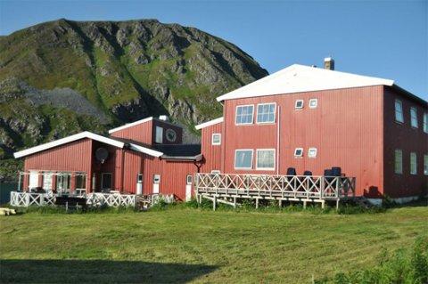 GJESTEHUS: Sørvær Gjestehus mister skjenkebevilling i to uker. Dette bildet er tatt for noen år siden.