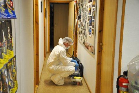 Kriminaltekniker var denne uken på Alta IFs hovedkontor for å sikre spor etter innbruddet på søndagsmorgen.