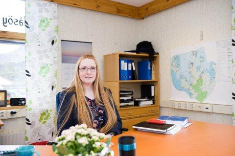 SATT KRISETEAM: Rådmann Lill Torbjørg Leirbakken i Mæsøy kommune har satt ned kriseteam for å yte bistand og støtte til de berørte i forbindelse med leteaksjonen som nå pågår utenfor Rolvsøya.