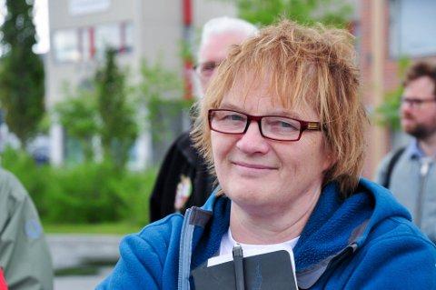 Randi Karlstrøm. Appeller fra ForFinnmark på Alta Sentrum onsdag 20. juni 2018. Foto: Oddgeir Isaksen