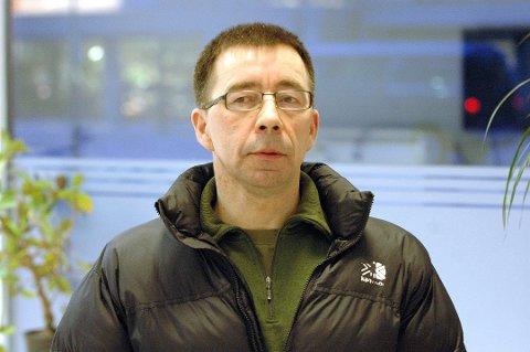SNART PENSJONIST: Major Kjetil Hanssen er snart pensjonist. Men ennå kan han fyre av med skarpt mot partikollegaer i Arbeiderpartiet. Han mener alle i partiet er frustrert over fylkessammenslåinga. Men man må ikke rette frustrasjonen og skytset mot partikollegaer i Troms.