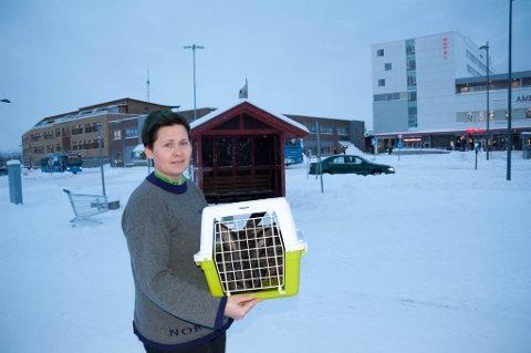 LEVNET HER: Ute i kulden ble kaninene funnet. - Tragisk, sier Marianne Knutsen .
