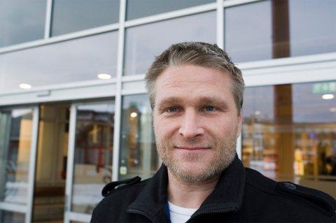 YTRINGSFRIHET: Claus Jørstad (Frp) mener det er problematisk at meninger blir sensurert av Twitter.