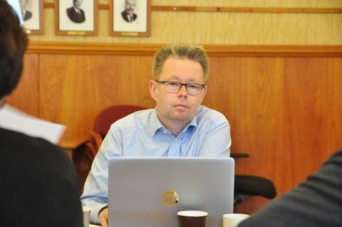BARE RYKTER: Raymond Robertsen sier det bare er rykter at den nye posisjonen i Nordkapp vil avsette ham som rådmann.