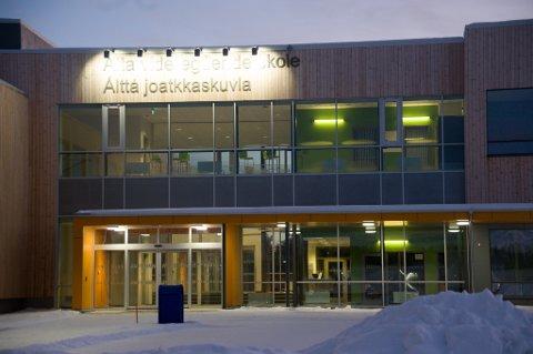 Stenger skolen: Alta VGS stenges fra og med mandag etter at nye smittetilfeller i ungdomsmiljøet tilknyttet skolen har blitt oppdaget søndag.