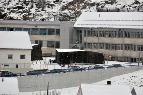 BRYTER LOVEN: Breilia Ungdomsskole og Hammerfest kommune tar ikke hensyn til barnets beste, er den foreløpige dommen fra fylkesmannen.
