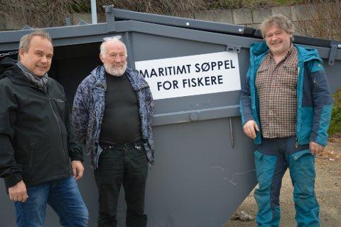 SØPPEL: Kommunen har plassert ut to konteinere ved havna.