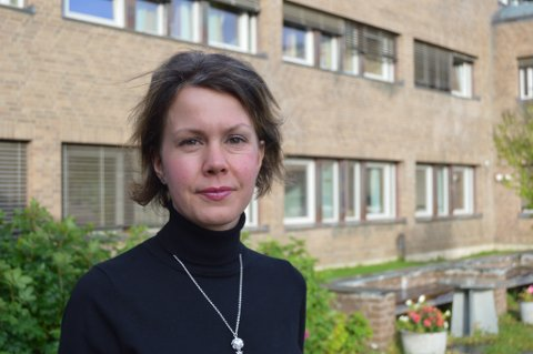 BLANDET OPPFATNING: Kristin Foosnæs er hovedverneombud hos Finnmark fylkeskommune. Hun forteller om noe uro og bekymring hos enkelte ansatte i forbindelse med sammenslåingen, men mener dette er normalt. Verneombudene er oppmerksomme på utfordringen og ivaretar de ansatte, sier hun.