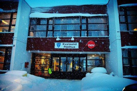 INNBRUDD PÅ RÅDHUSET: Noen stakk av med utstyr for en betydelig verdi fra rådhuset i Kvalsund.