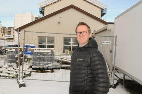 DAGSENTER: Her vil virksomhetsleder Mads Valleraunet bygge et dagsenter. Foto: Trond Ivar Lunga