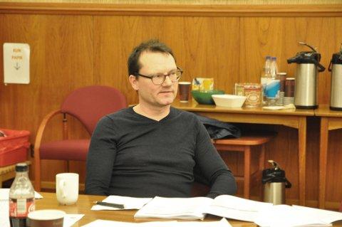 ALENE: Ordfører Jan Olsen sier han opplevde mye motstand fra administrasjonen etter valget i 2019.