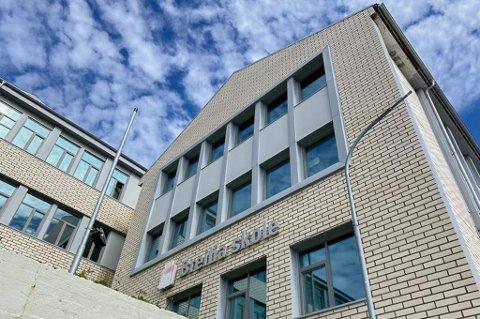 TILSYN: Statsforvalteren har utført tilsyn for Breilia ungdomsskole og Hammerfest kommune.