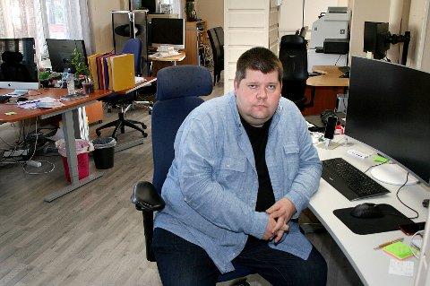 KONKURS: Driftsselskapet til Salangen-Nyheter er slått konkurs. Redaktør og daglig leder Jon Henrik Larsen driver nettavisen videre gjennom et annet selskap inntil videre.