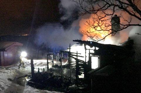De samme reglene for brannsikkerhet gjelder på hytta som hjemme. Flere som arver hytter passer ikke godt nok på.
