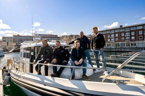 NORMS og Serit Hålogaland ombord i miljøfartøyet Rognkjeksen (fra venstre foran Rune Hansen (NORMS), Mikkel Pedersen (NORMS), Erik Langedal (Serit). Bak: Thomas Myhre (NORMS) og Eirik Berg (Serit).