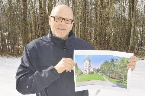 HAR IKKE GITT OPP: Kateket Bjørn Skogstad foran stedet der menighetshuset i Aurskog er planlagt. Foto: Roger Ødegård