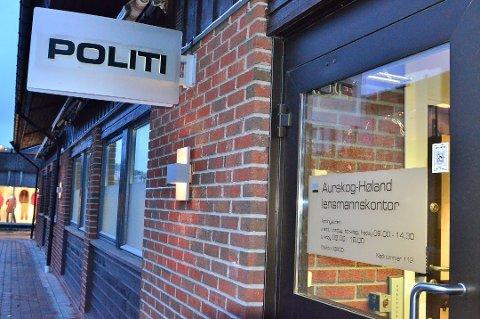 Politimester Steven Hasseldal foreslår å opprettholde lensmannskontoret på Bjørkelangen.