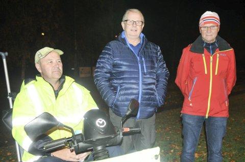 PÅ PLASS: Denne trioen, Tom Thoresen (t.v.), Jan Lundgreen og Per Aas skofter sjelden noen av Dalens hjemmekamper.