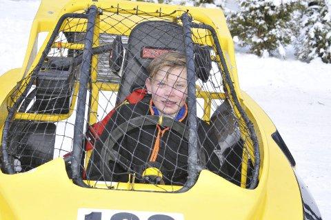 GUTTEN I BURET: Karsten Nordli drømmer om å kjøre rally når han blir noen år eldre. Her med en 125 ccm crosskart.