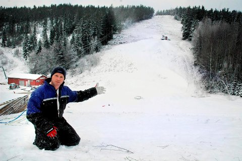 Tett på folk: i Dalhauglia Alpinsenter på Bjørkelangen så Hans Kristian Bernhus ulv onsdag morgen.
