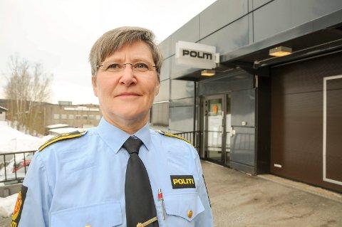 Flyttes: Lensmann Toril N. Nilsen og hennes 14 ansatte flyttes til Bjørkelangen når Sørum lensmannskontor legges ned i desember i år.