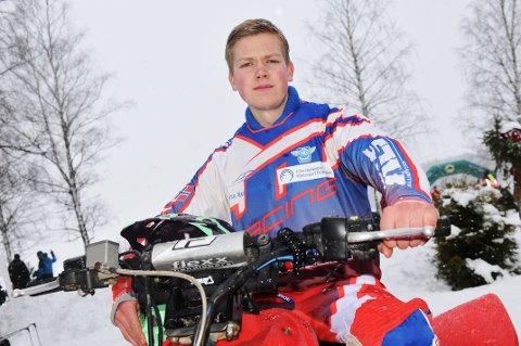 KLAR FOR NYE TRIUMFER: Fjorårets nordiske mester i ATV, Joakim Granli, er godt forberedt til en ny sesong, men venter på å få grus og ikke snø som treningsunderlag. Foto: Øivind Eriksen
