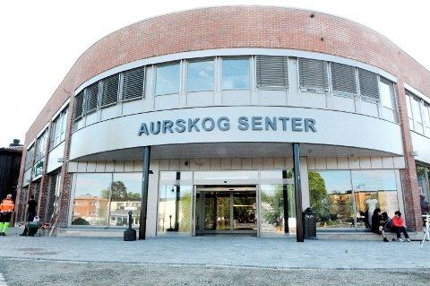 Slutt: To av butikkene i Aurskog Senter legger ned.