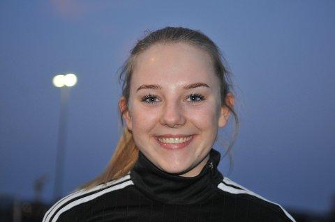 Robin Celine Stensrud (19) fra Hemnes scoret sitt første mål for AHFK i oppgjøret mot Sørumsand mandag. Foto: Øivind Eriksen