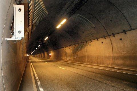 Hittil i år har 29 personer mistet førerkortet etter å ha kjørt for fort i Rælingstunnelen. Foto: Tom Gustavsen