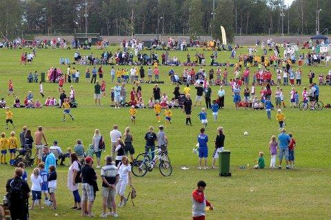 Gjennom sportsportalen Direktesport vises over 800 kamper fra Norway cup og som abonnent av Indre kan du følge kampene direkte. Arkivfoto: Vidar Sandnes