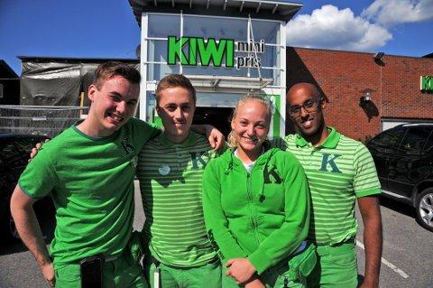 Gleder seg til ny butikk: Fra venstre: Vetle Korsvik, Fride Glorvigen Aasen, Robert Severinsen og butikksjef Håvard Silseth.