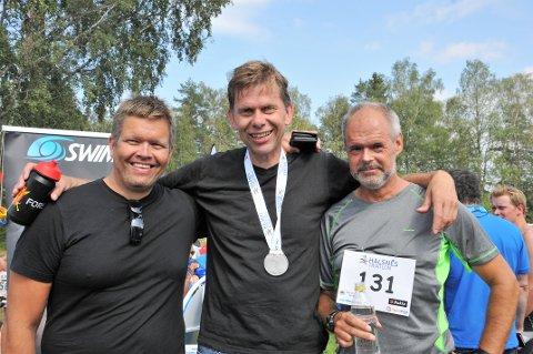 HIMMELSK HERLIG, sa denne trioen fra Aurskog-Høland KrF etter å ha klådd sin politiske hovedmotstander Aurskog-Høland Arbeiderparti. Fra venstre: Rune Skansen, Arnfinn Wennemo og Thor Håkon Ramberg.