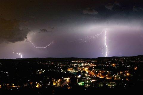 Torden og regn: Det er meldt kraftig regn og torden over store deler av Østlandet.