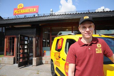 Åpnet: Petter Bjerke (20) driver Pizzabakerenpå Bjørkelangen.