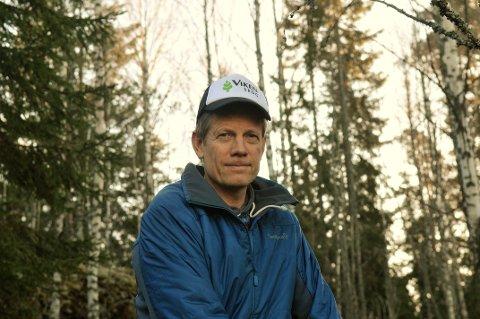VIKTIG VERKTØY: – Alle med skogseiendommer på over 100 dekar bør sørge for å ha en skogbruksplan, oppfordrer Morten Haugerud, leder av prosjektgruppa for utarbeidelsen av de nye planene. Foto: Øivind Eriksen