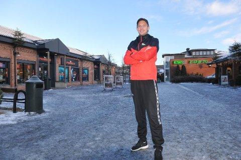 NYE UTFORDRINGER: Kristoffer Lie fra Høland er klar for trenerjobb i Raufoss kommende sesong. Her blir han assistenttrener for A-laget som spiller i OBOS-ligaen og hovedtrener for H19-laget.  Arkivfoto: Øivind Eriksen