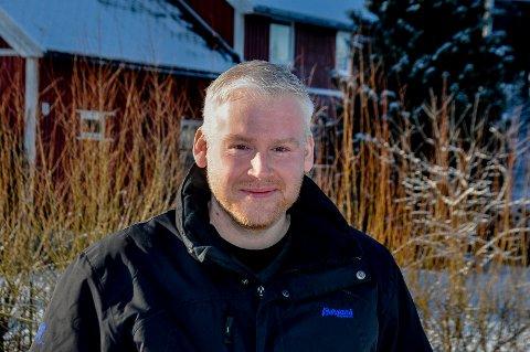 GOD RESPONS: Kristoffer Lie har siden mars i fjor sittet på hjemmekontor i Båstad. Han har savnet noe å gjøre på ettermiddagene og la i forrige ut et innlegg på Facebook for å få tips til fritidssysler. Responsen var god.
