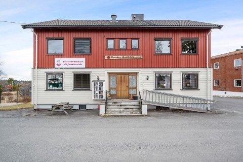 NEDSATT SALGSPRIS: Sanitetshuset på Aursmoen har fått ny og lavere prisantydning. Interessen i markedet steg betraktelig etter prissenkingen.